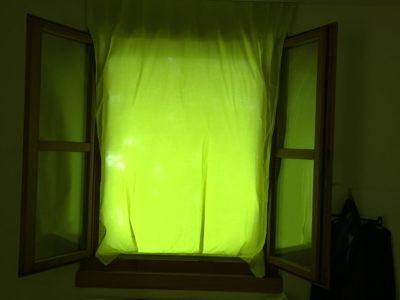Fenster mit Vorhang grün IMG_2550